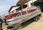 Sun Tracker Fishin' Barge 20 DLX 2018